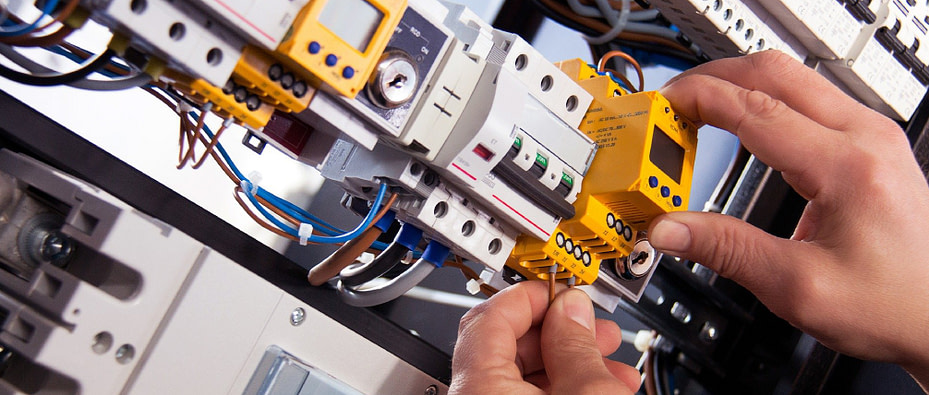Electronics and cabling - Hamilton Wood andCo-01